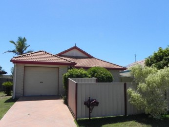 NEAT THREE BEDROOM COTTAGE STYLE HOME