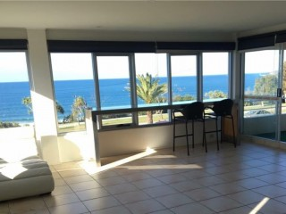 2 bedroom apartment across the beach with perfect ocean views!