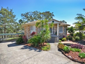 GREAT FAMILY HOME IN CALOUNDRA WEST