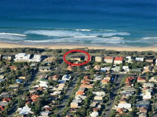 4 bedroom home BEST LOCATION ON THE SUNSHINE COAST!  with the  BEST BEACH VIEWS IN BUDDINA!