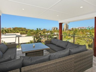 4 bedroom home just a short stroll from patrolled beaches...