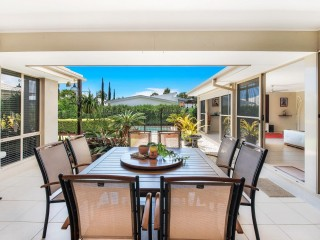 SPACIOUS HOME, ENTERTAINERS DELIGHT