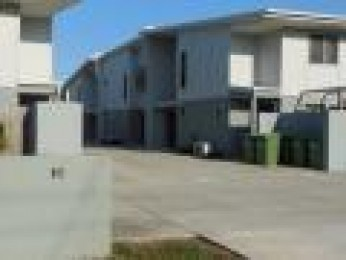 AS NEW 3 BED HI-SET TOWNHOUSE BE QUICK Discount applies