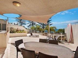 3 Bedroom Furnished Executive Apartment with Courtyard & Outdoor Spa