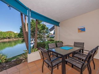 Peaceful Private Waterfront Apartment in Noosaville