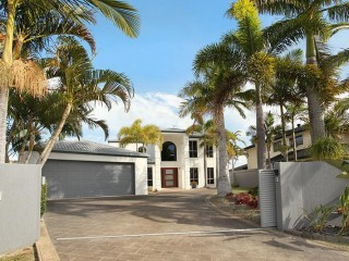 4 bedroom house on canal, save upto $100 per night in January 18