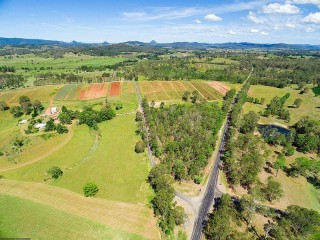 ACREAGE IN THE PICTURESQUE MARY VALLEY!!