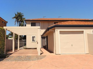 4 bedroom home close to beaches and boat ramp, save $115 per night!!